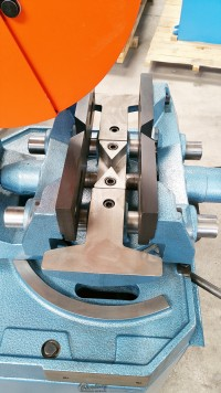 new scotchman (variable speed, power clamping and manual head down feed) circular cold saws (for cutting steel, stainless, aluminum, brass, copper, plastics) CPO 350 VSPK