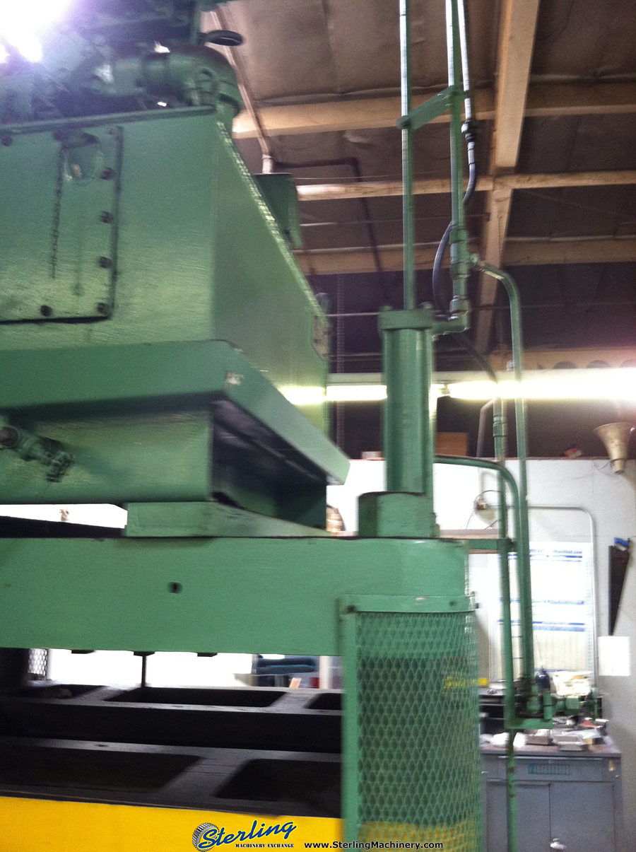 Used Columbus Industries Model Trimmer 4 Post Hydraulic