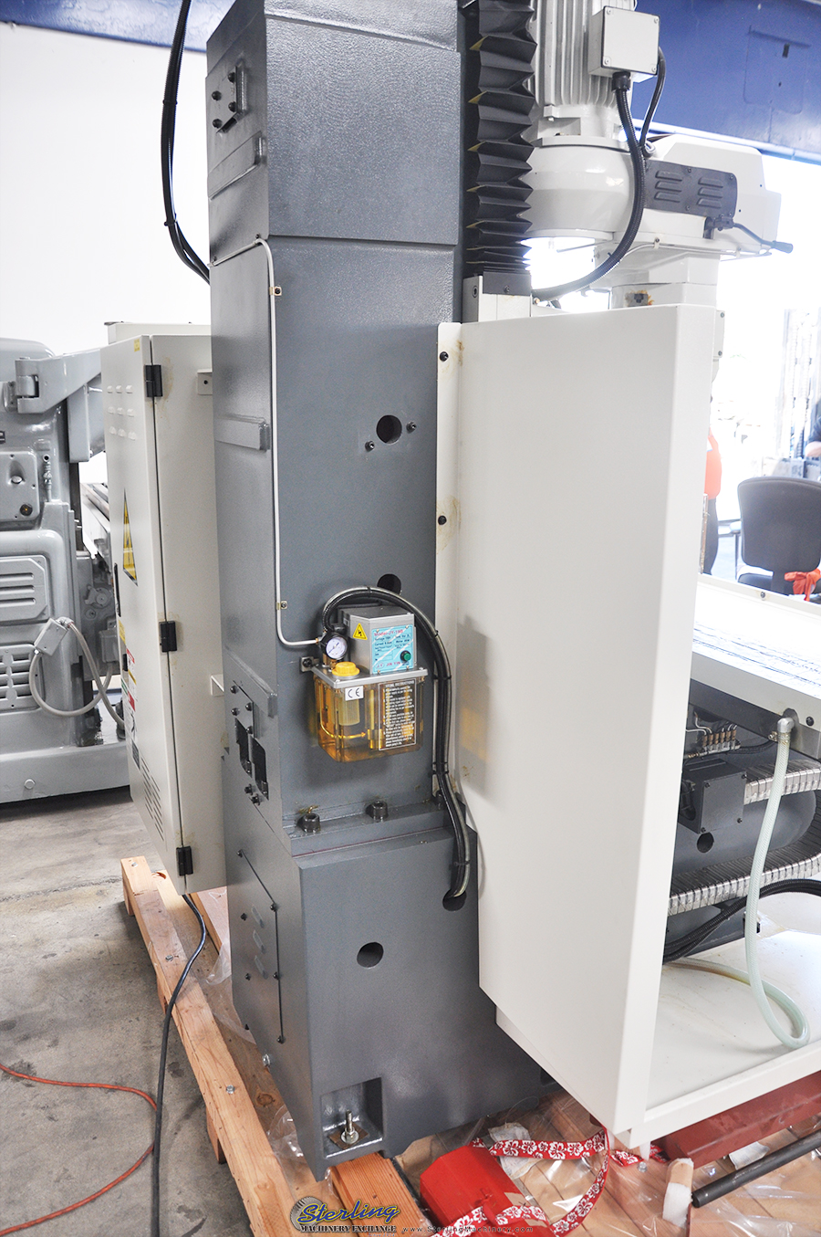 Brand New Atrump Cnc Bed Milling Machine With 3 Axis Cnc