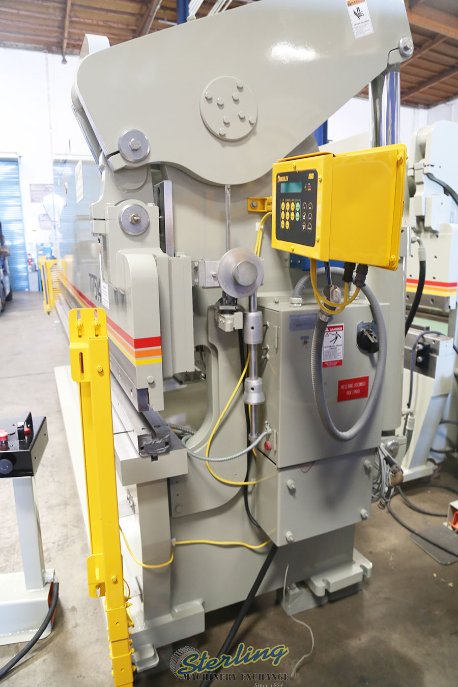 Used Accurpress Hydraulic Press Brake With Light Curtains ...