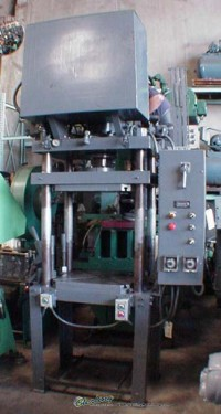 northern 4 post hydraulic press (down acting) N/A