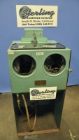 used paul & griffin sandblasting cabinet E2